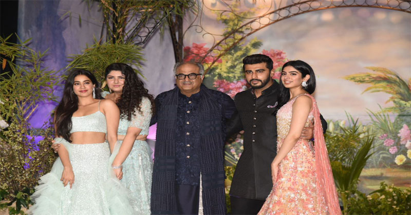 kapoor-family-picture
